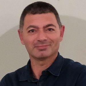 Ingénieur de recherche CNRS. Intégration instrumentale. Mise en œuvre des systèmes de stimulation et de recueil de données comportementales et physiologiques sur les sujets humains et non-humains pendant les acquisitions IRM.
